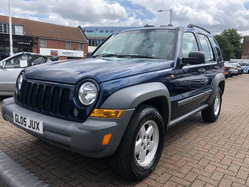 JEEP CHEROKEE SUV 2.4 Sport 4x4 5dr