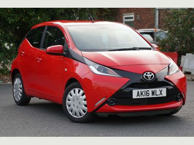 TOYOTA AYGO Hatchback 1.0 VVT-i x-play x-shift 5dr