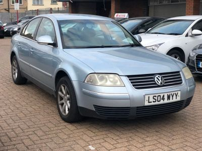 VOLKSWAGEN PASSAT Estate 1.9 TDI PD Highline Plus 5dr