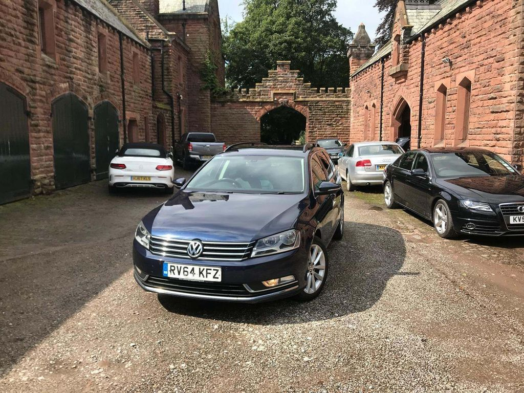 VOLKSWAGEN PASSAT Estate 1.6 TDI BlueMotion Tech Executive (s/s) 5dr