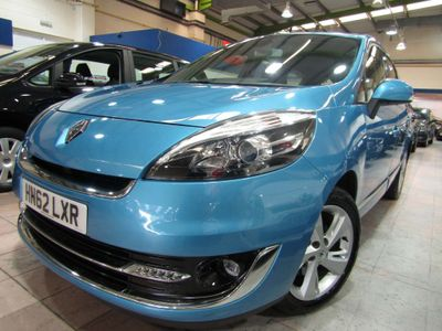 RENAULT GRAND SCENIC MPV 1.6 VVT Dynamique TomTom 5dr