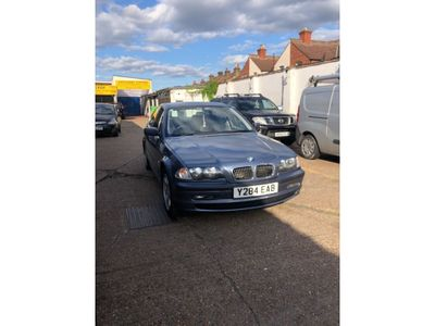 BMW 3 SERIES Saloon 2.2 320i SE 4dr
