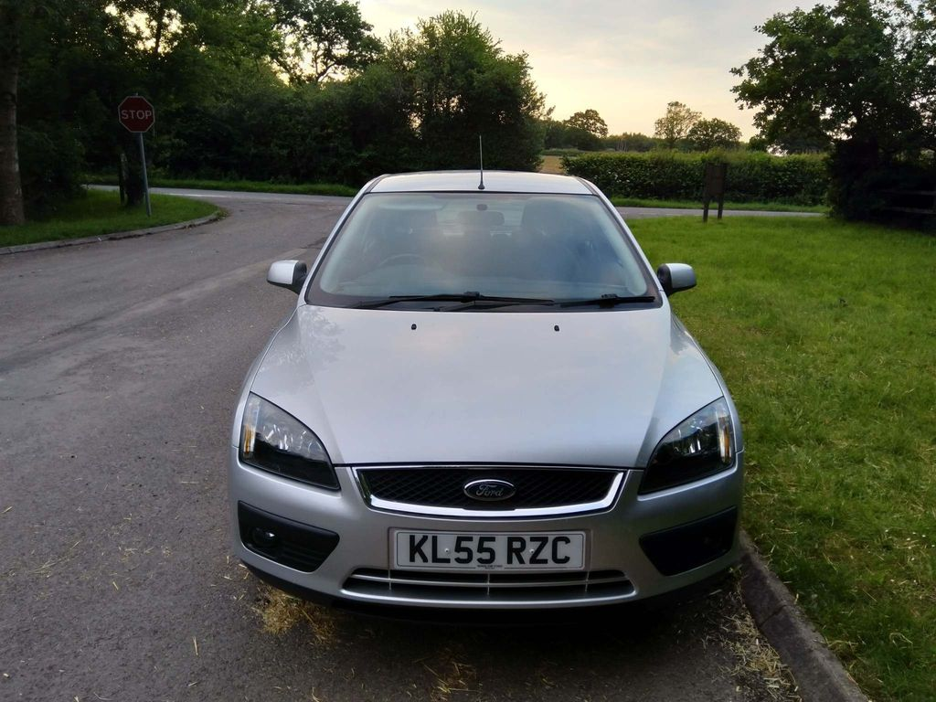 Used Ford Focus Hatchback 1 6 Zetec Climate 5dr in