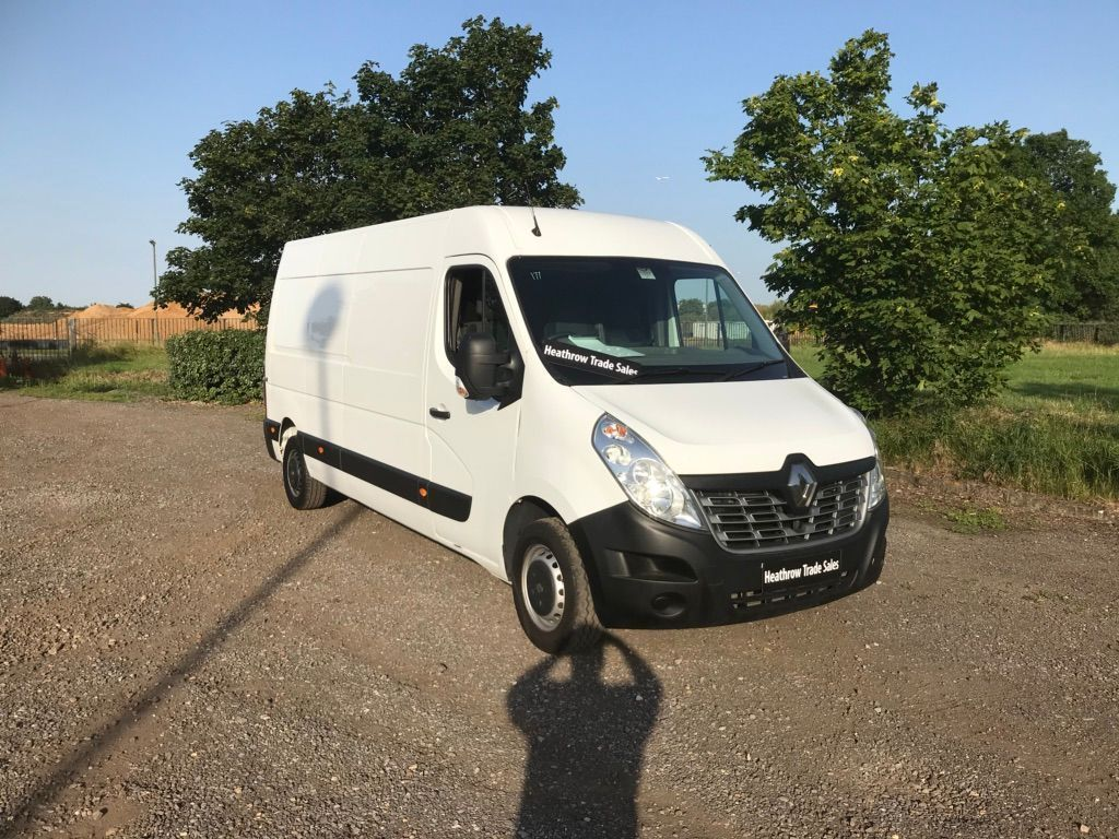 RENAULT MASTER Panel Van 2.3 dCi Energy LM35 Business Medium Roof Van (FWD) (s/s) 5dr