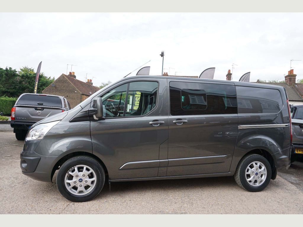 FORD TRANSIT CUSTOM Combi Van 2.2 TDCi 290 L1H1 Limited Double Cab-in-Van 6dr