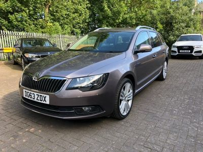SKODA SUPERB Estate 2.0 TDI CR DPF Elegance DSG 4x4 5dr