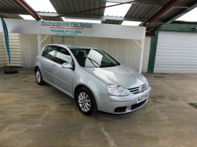 VOLKSWAGEN GOLF Hatchback 1.6 FSI Match 5dr