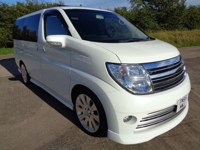 "NISSAN ELGRAND MPV 3.5 V6 2/4WD Twin S/roof Gd 4B 19""alloys"