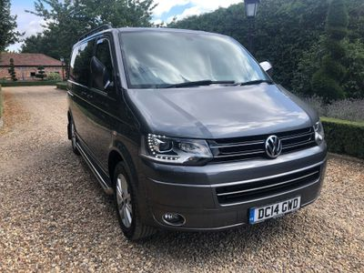 VOLKSWAGEN CARAVELLE MPV 2.0 BiTDI BlueMotion Tech Executive Bus DSG 4dr (SWB, 7 Seats)