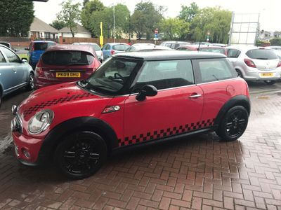 MINI HATCH Hatchback 1.6 Cooper Avenue 3dr