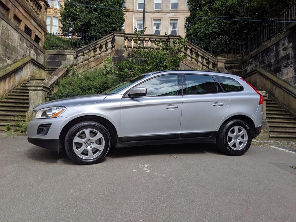 Used Volvo Xc60 Suv 2 4 D5 S Awd 5dr in Glasgow, Lanarkshire