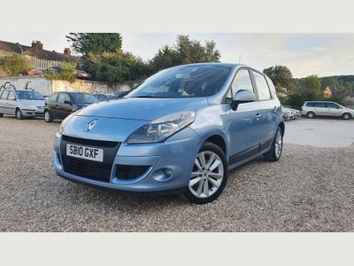 RENAULT SCENIC MPV 1.5 dCi I-Music 5dr