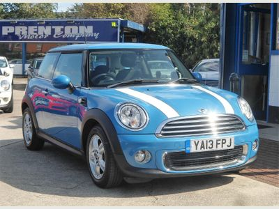 MINI HATCH Hatchback 1.6 One (Sport Chili) 3dr