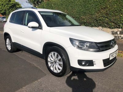 VOLKSWAGEN TIGUAN SUV {Edition unlisted}