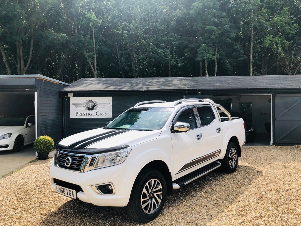NISSAN NAVARA Unlisted 2.3 dCi Visia Double Cab Chassis Cab 4WD 4dr (EU6)