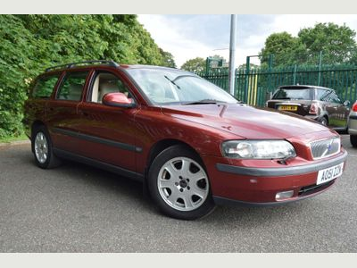 VOLVO V70 Estate 2.4 SE Lux 5dr