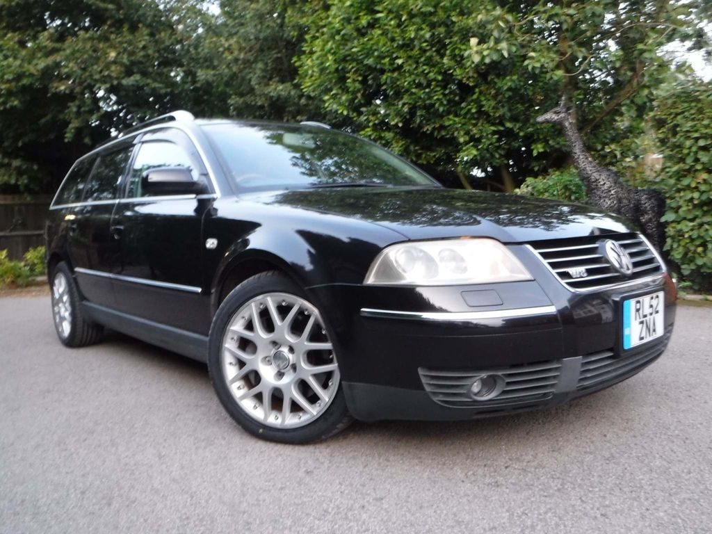 VOLKSWAGEN PASSAT Estate W8 4 MOTION