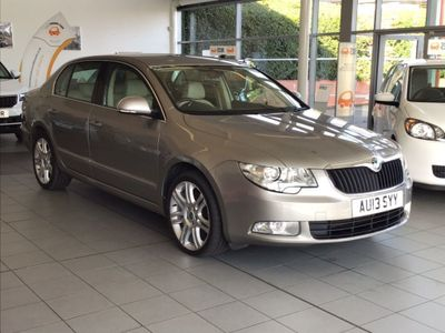SKODA SUPERB Hatchback 2.0 TDI CR DPF Elegance (L&K Luxury Pack) 5dr