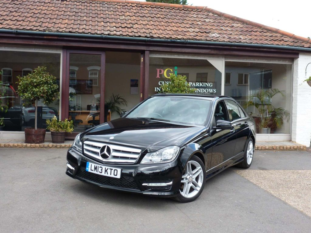 MERCEDES-BENZ C CLASS Saloon 2.1 C220 CDI BlueEFFICIENCY AMG Sport 4dr (Map Pilot)