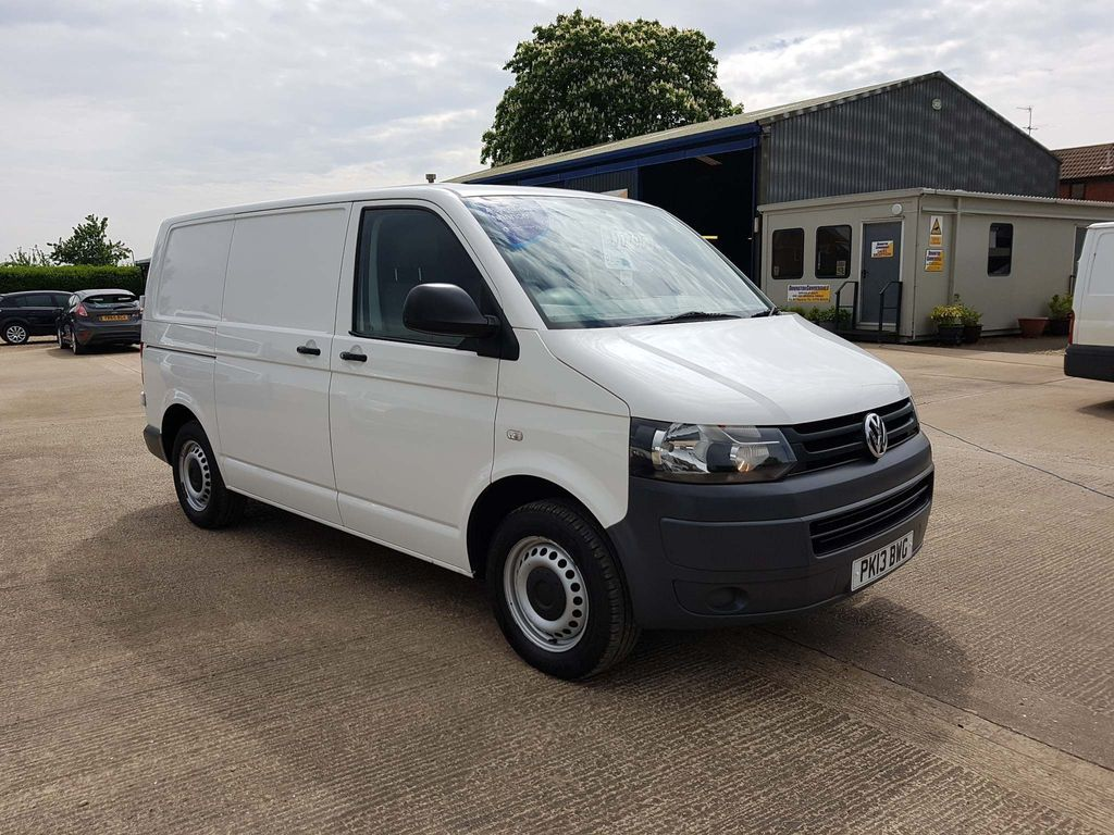 VOLKSWAGEN TRANSPORTER Panel Van 2.0 TDI BlueMotion Tech T28 Panel Van 4dr (SWB)