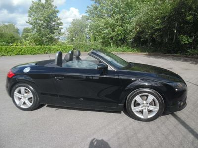 AUDI TT Convertible 2.0 Exclusive Line Roadster 2dr