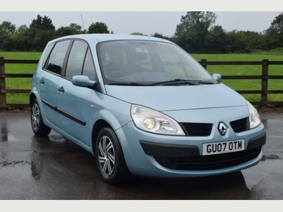 RENAULT SCENIC MPV 1.5 dCi Authentique 5dr