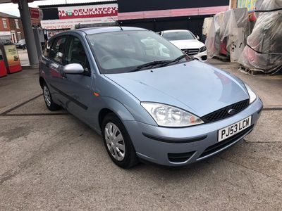 FORD FOCUS Hatchback 1.6 i 16v Flight 5dr
