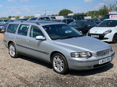 VOLVO V70 Estate 2.4 D5 SE 5dr