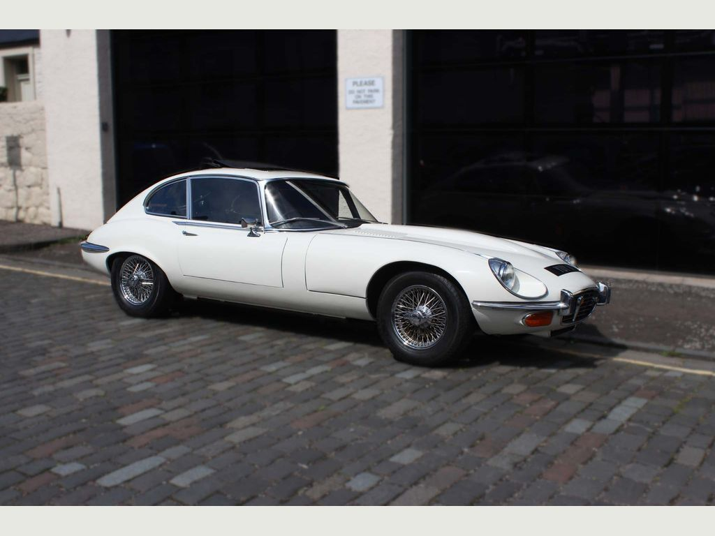 JAGUAR E-TYPE Coupe {Edition unlisted}