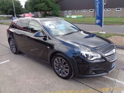 VAUXHALL INSIGNIA Estate 2.0 CDTi Country Sport Tourer 4x4 (s/s) 5dr