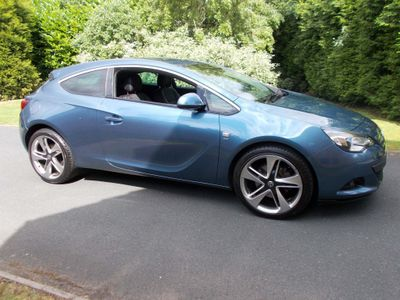 VAUXHALL ASTRA GTC Coupe 1.4T 16V SRi (s/s) 3dr 20in Alloy
