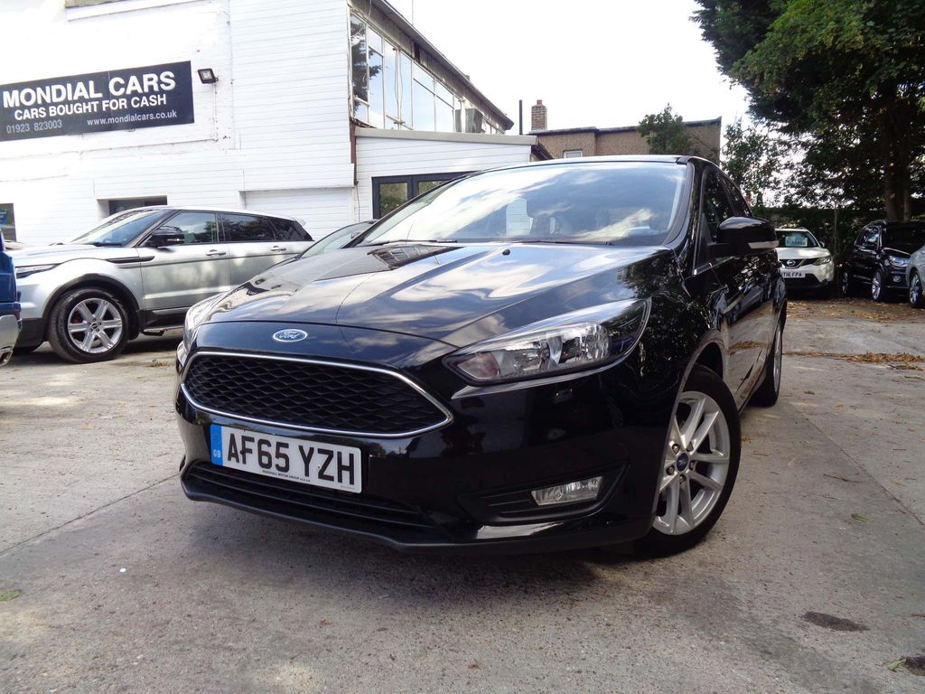 FORD FOCUS Hatchback 1.6 Zetec Powershift 5dr