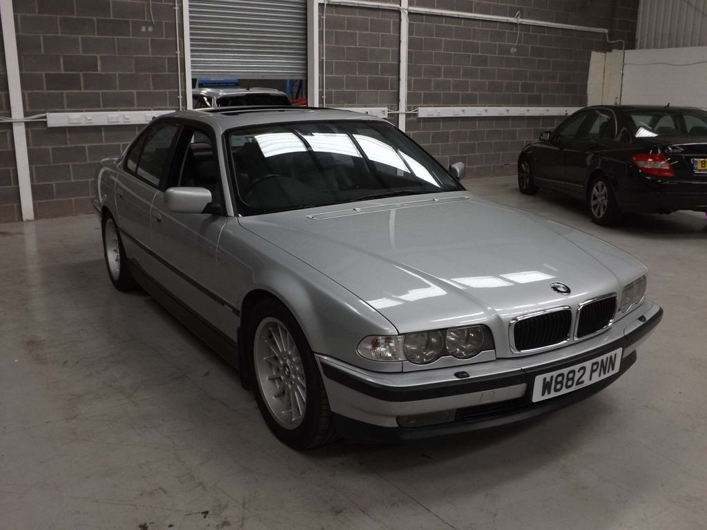 BMW 7 SERIES Saloon 4.4 740i 4dr