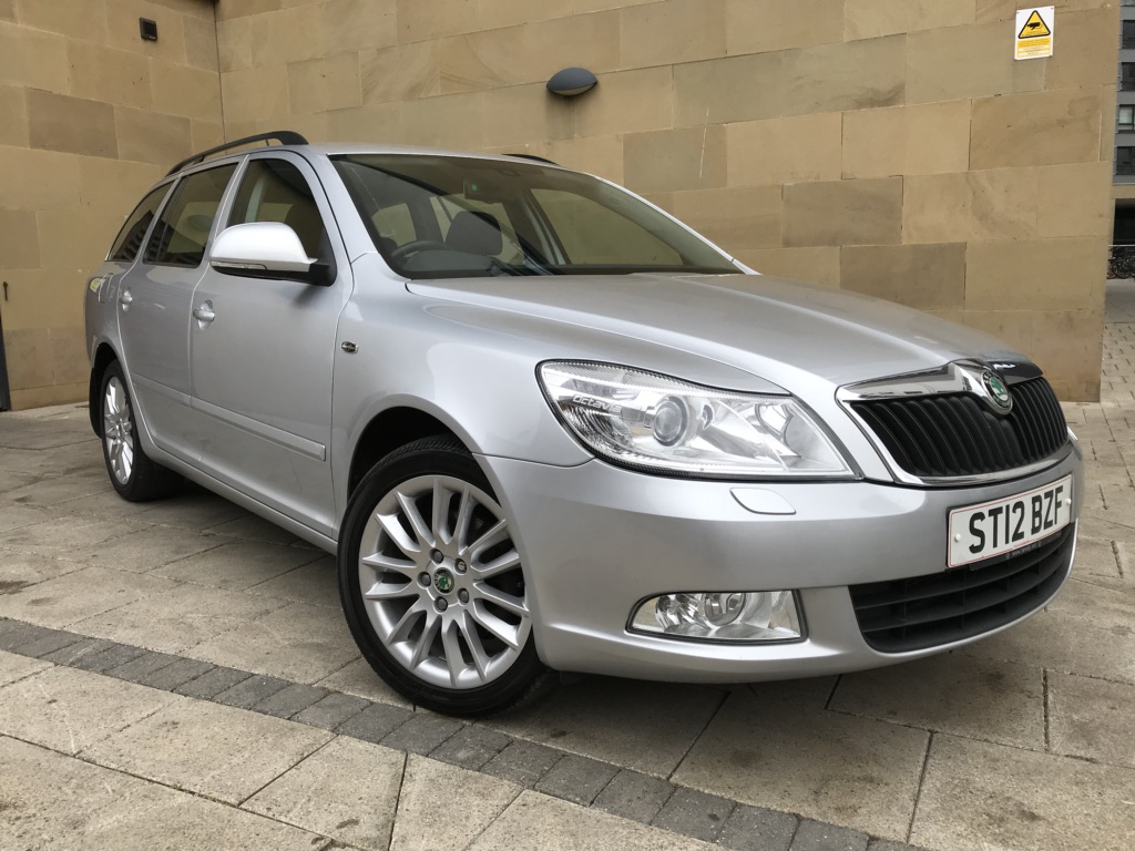 SKODA OCTAVIA Estate 1.8 TSI Laurin & Klement 5dr