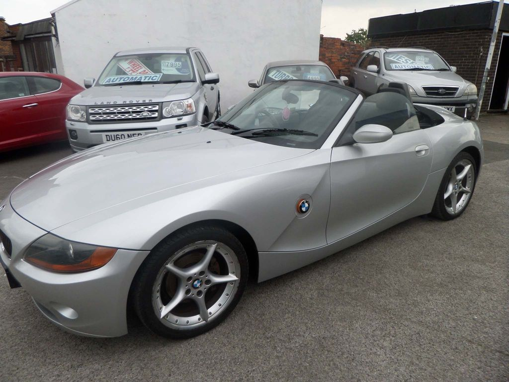 BMW Z4 Convertible 2.0 i Roadster 2dr Petrol Manual (181 g/km, 150 bhp)