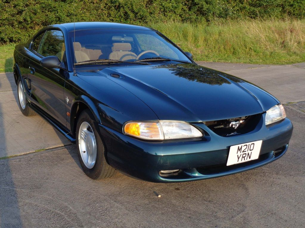 FORD MUSTANG Coupe 3.8 V6 Coupe Automatic