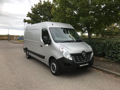 RENAULT MASTER Panel Van 2.3 dCi MM33 Business Medium Roof Van (FWD) 5dr