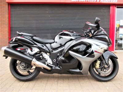 SUZUKI GSX1300R HAYABUSA Super Sports 1300 RA Super Sports