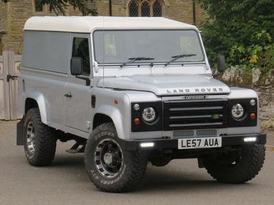 LAND ROVER DEFENDER 110 SUV 2.4 TDi County Hard Top 3dr