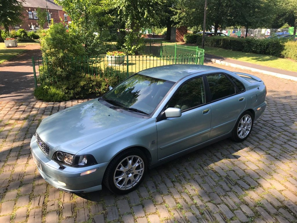 VOLVO S40 Saloon 1.9 D Sport Lux 4dr