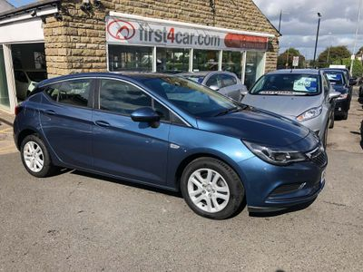 VAUXHALL ASTRA Hatchback 1.6 CDTi BlueInjection Design Auto 5dr