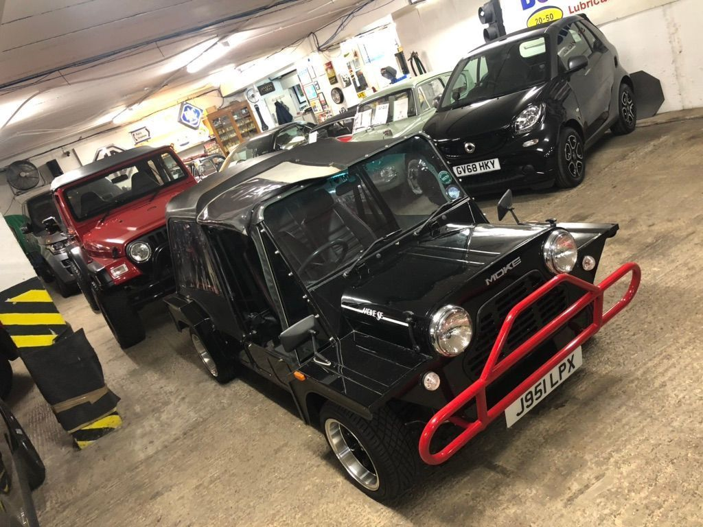 MINI MOKE Unlisted {Edition unlisted}