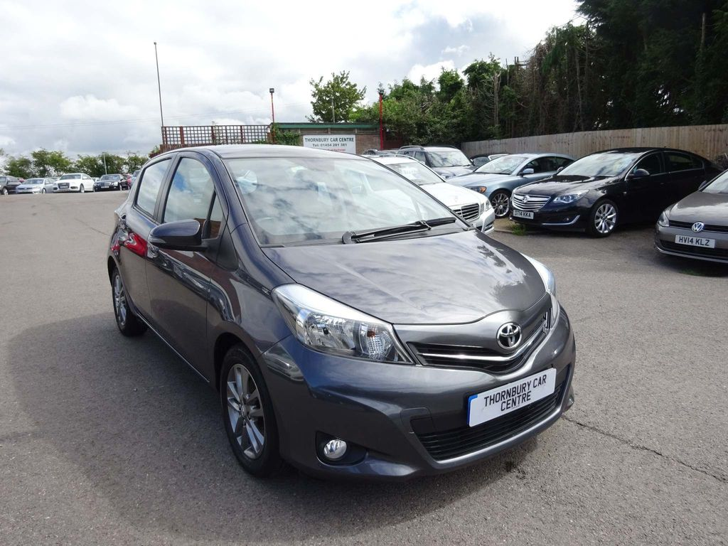 TOYOTA YARIS Hatchback 1.0 Icon+ 5dr (leather)