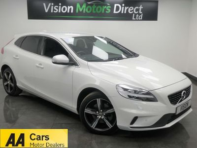 VOLVO V40 Hatchback 2.0 T3 R-Design Edition (s/s) 5dr