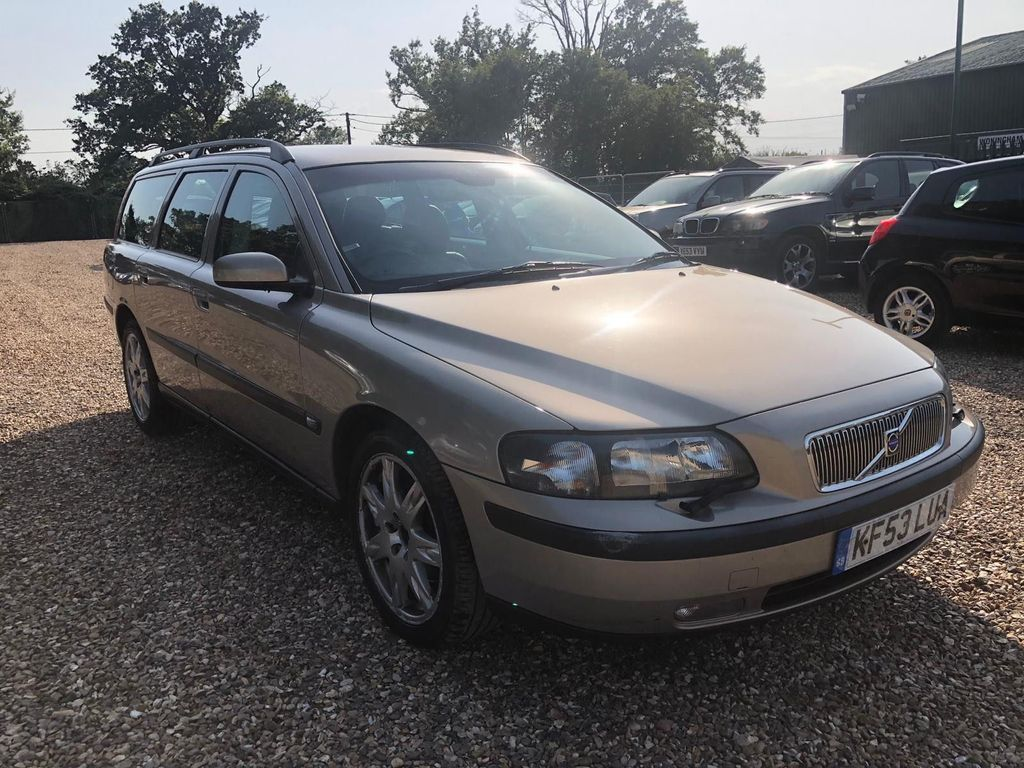 VOLVO V70 Estate 2.4 SE 5dr