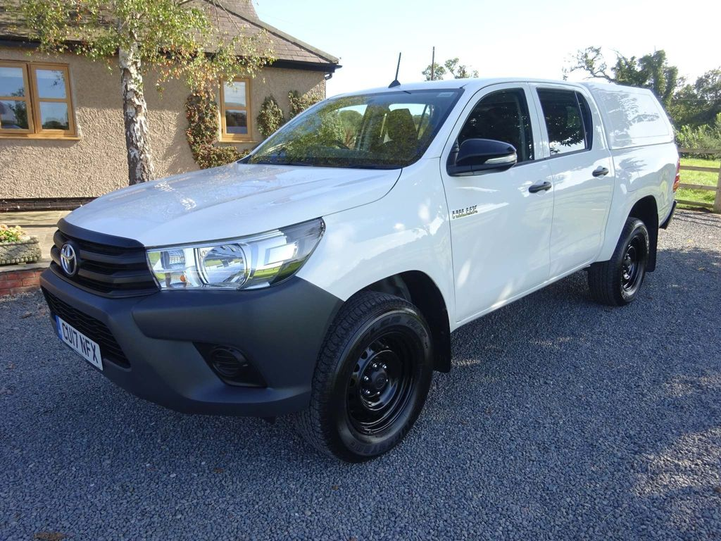 TOYOTA HILUX Pickup 2.4 Active 4dr