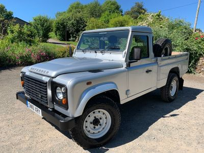 LAND ROVER DEFENDER 110 Pickup 2.2 D Pick-Up 2dr (High capacity)