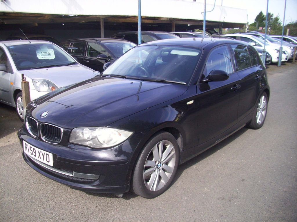 BMW 1 SERIES Hatchback 2.0 123d SE 5dr