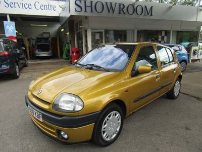 RENAULT CLIO Hatchback 1.6 RXE 5dr