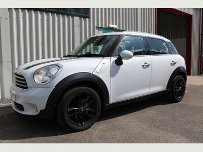 MINI COUNTRYMAN Hatchback 2.0 Cooper D Business Edition (Chili) 5dr
